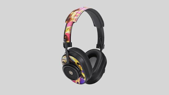 Shoe-Inspired Earbuds and Earphones