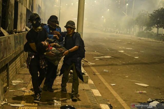 Kawasan Stadion Gelora Bung Karno Jadi lokasi evakuasi mahasiswa terluka