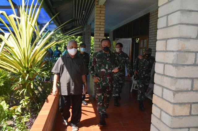 Izak Pangemanan Dampingi Ganip Warsito Silaturahmi ke Keuskupan Jayapura