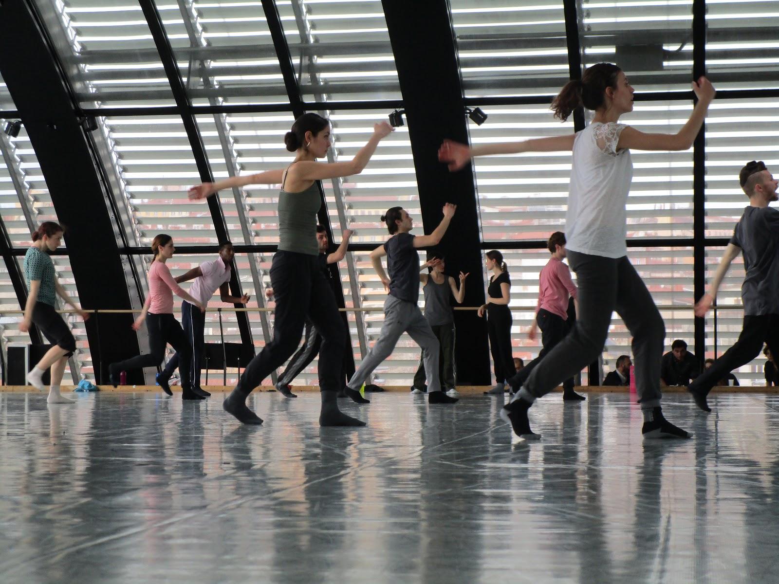 Vitesse de danse datant de Londresrencontres en ligne trop impersonnelle