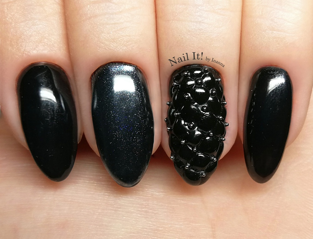 Quilted Black Glam Nails