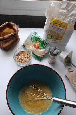 preparation gateau moelleux amandes noisettes compote