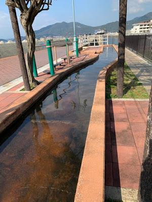 日本一の足湯の端っこ