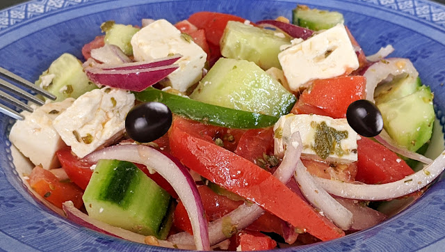 recette, salade, grecque, facile, rapide, feta, salade d'été, olives, concombre