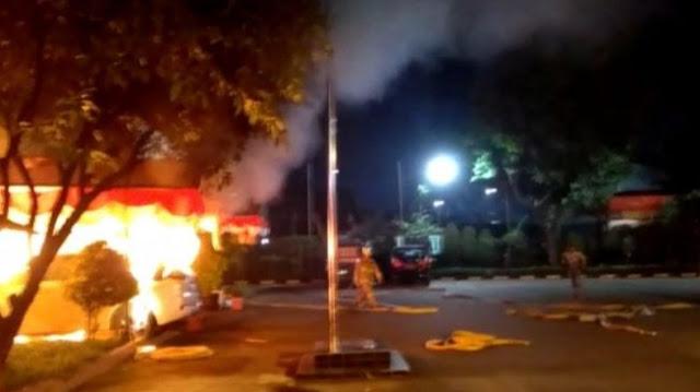 Kronologis Polsek Ciracas Dibakar Ratusan Orang Tadi Pagi