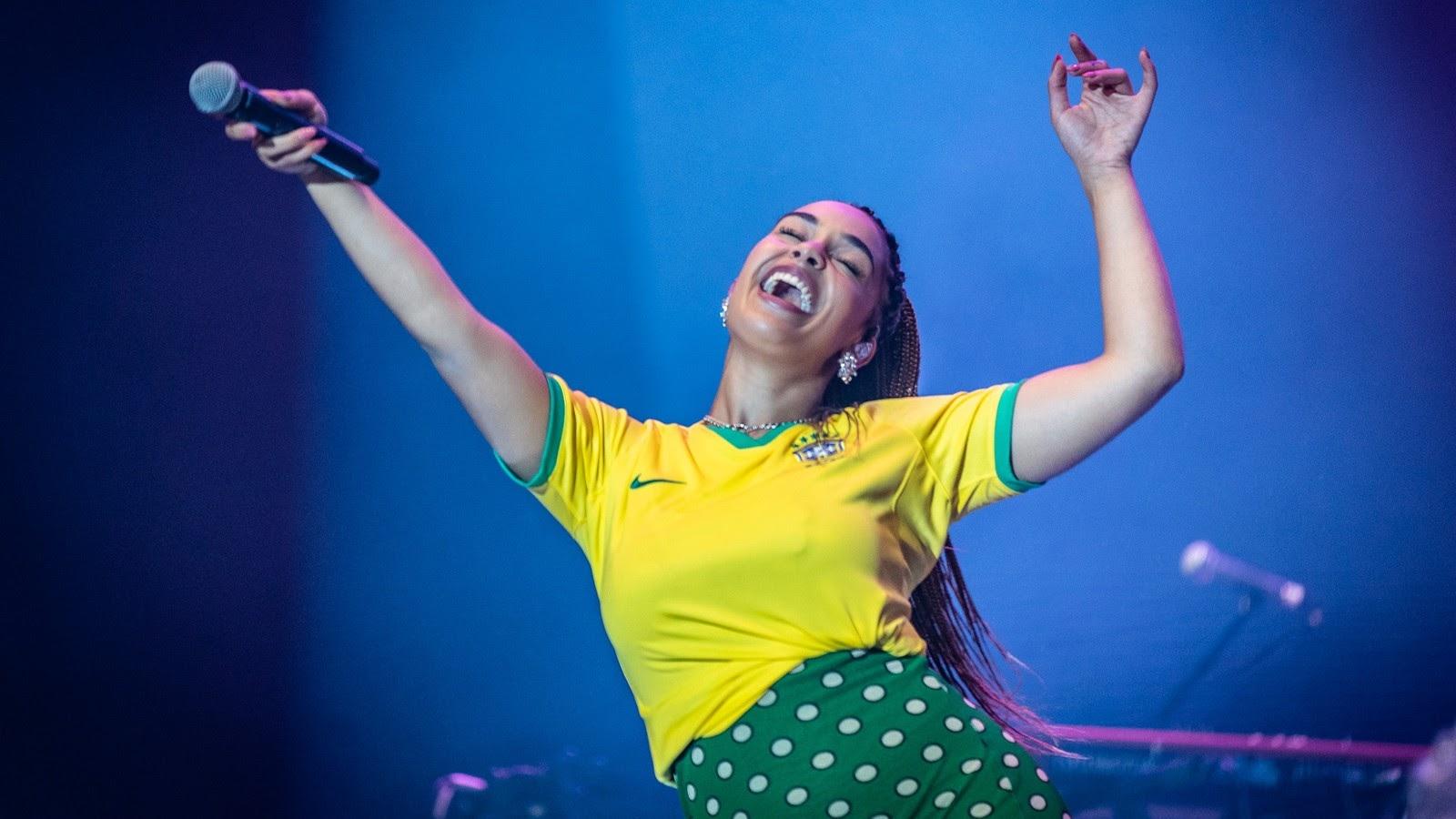Teve cover de TLC, presença de Liniker curtindo muito da plateia e muita música boa na estreia da Jorja no Brasil