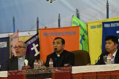 Rapat Pendeta HKBP, Pdt Lutz Neumeier dari Jerman: Gereja Harus Berubah dan Berinovasi