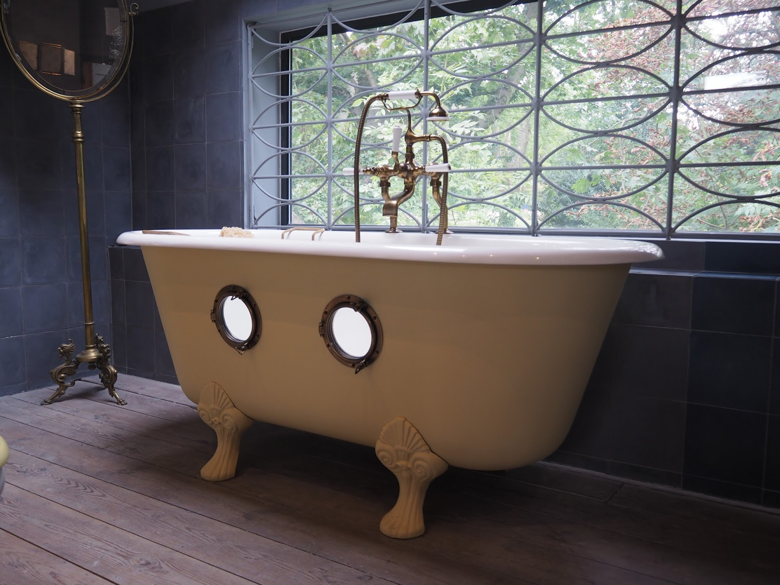 bathroom fixtures and fittings, hellopeagreen blog, bathroom design, traditional bath design, buy vintage bath