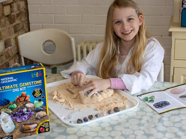 Review: Learning about Volcanoes, Gemstones, Dinosaurs and Sharks with National Geographic Kits from Bandai