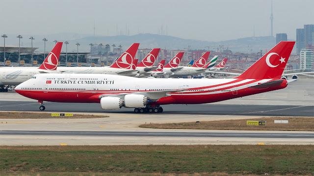 Türkiye Cumhuriyeti Devlet Başkanlığına ait TC-TRK tescilli Boeing 747-8i