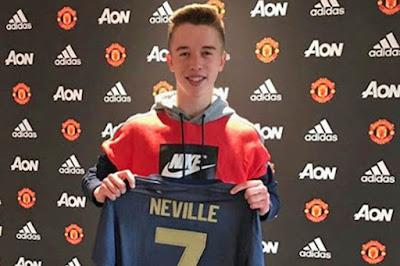 Barca không thể phá hợp đồng để mua Martinez, con trai Phil Neville ký hợp đồng với MU 2