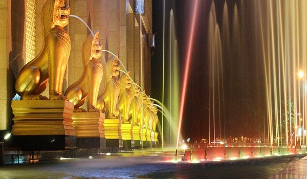 Quảng trường Sông Bốn Mặt