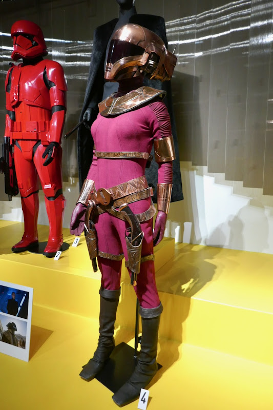 Zorii Bliss costume Star Wars Rise of Skywalker