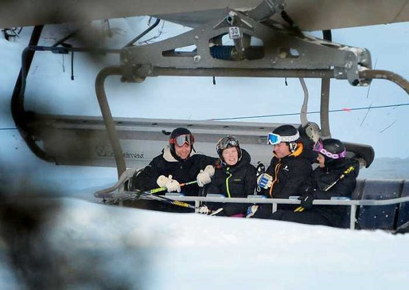 Crown Princess Victoria and Prince Daniel skiing in Sälen-Lindvallen at the weekend. Swedish royals at holiday