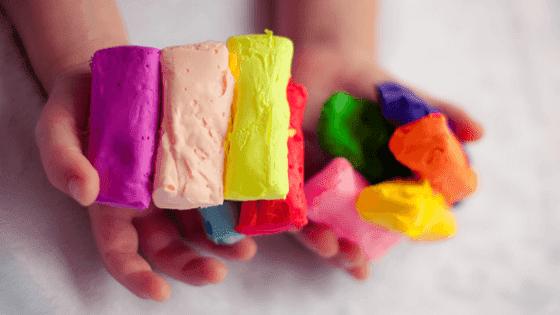 pomysly na zabawy plasteliną, karty pracy do wylepiania plasteliną pdf