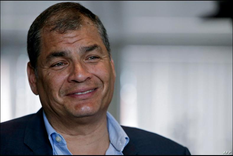 En esta foto del 4 de julio de 2018, el expresidente ecuatoriano Rafael Correa (2007-2017) habla durante una entrevista con AFP en Bruselas, Bélgica / ARCHIVO AFP