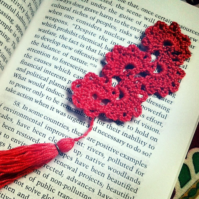 Crochet red lace bookmark - nephithyrion