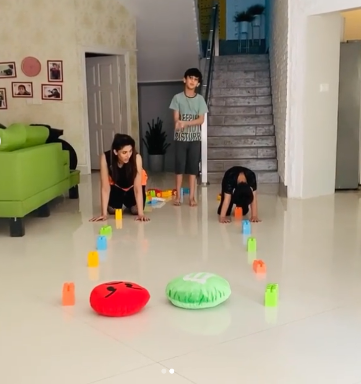 Sana Fakhar Having Fun time with her Kids