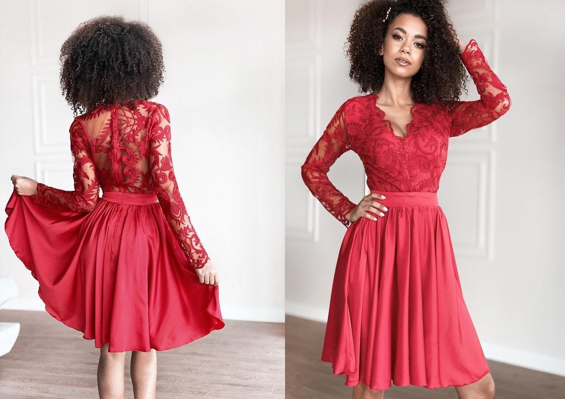 rozkloszowana-sukienka-z-gipiura-czerwona