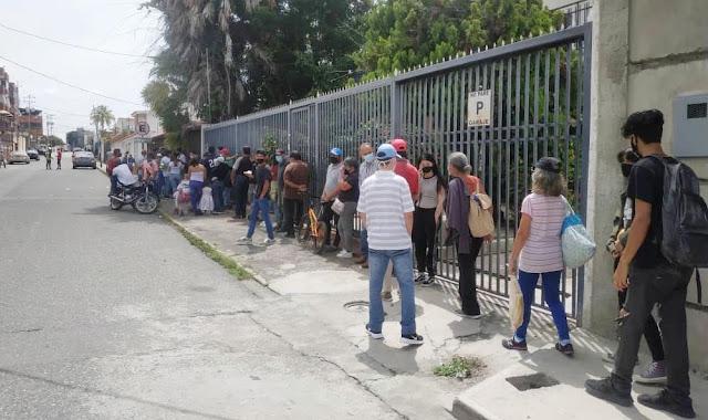 BARQUISIMETANOS DEJARON PARA ÚLTIMA HORA INSCRIBIRSE Y HACER CAMBIOS DE CENTROS ELECTORALES