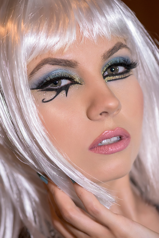 Dark horse - Katy Perry inspired makeup (Egyptian makeup ... |Katy Perry Dark Horse Makeup