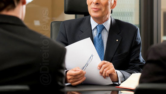 cliente notificado advogado deixar escritorio contratado