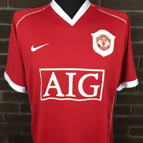 966a9af8a59 Closer Look  Nike Manchester United 2006-07 Home Kit - Footy Headlines