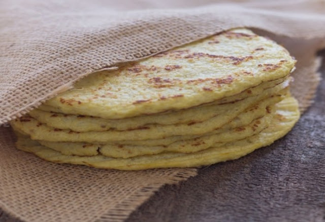 Two Ingredient Paleo Cauliflower Tortillas #healthy #paleo