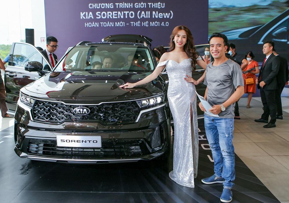 Kia Sorento 2021 ra mắt khách hàng Hà Nội và TP.HCM