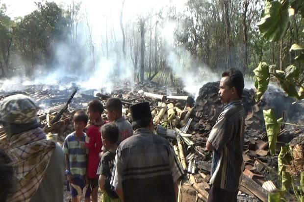 Tiga Rumah Ludes Terbakar, Satu Tewas dan Seekor Sapi Terpanggang