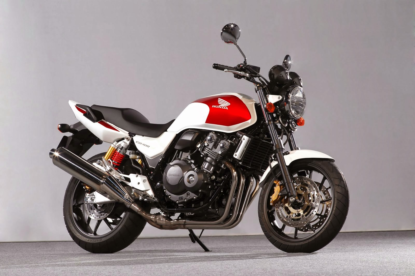 Planet Japan Blog: Honda CB 400 Super Four 2014