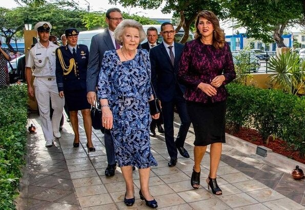 Princess Beatrix visits the University of Aruba about Economy versus Nature and Tourism versus Identity in Aruba