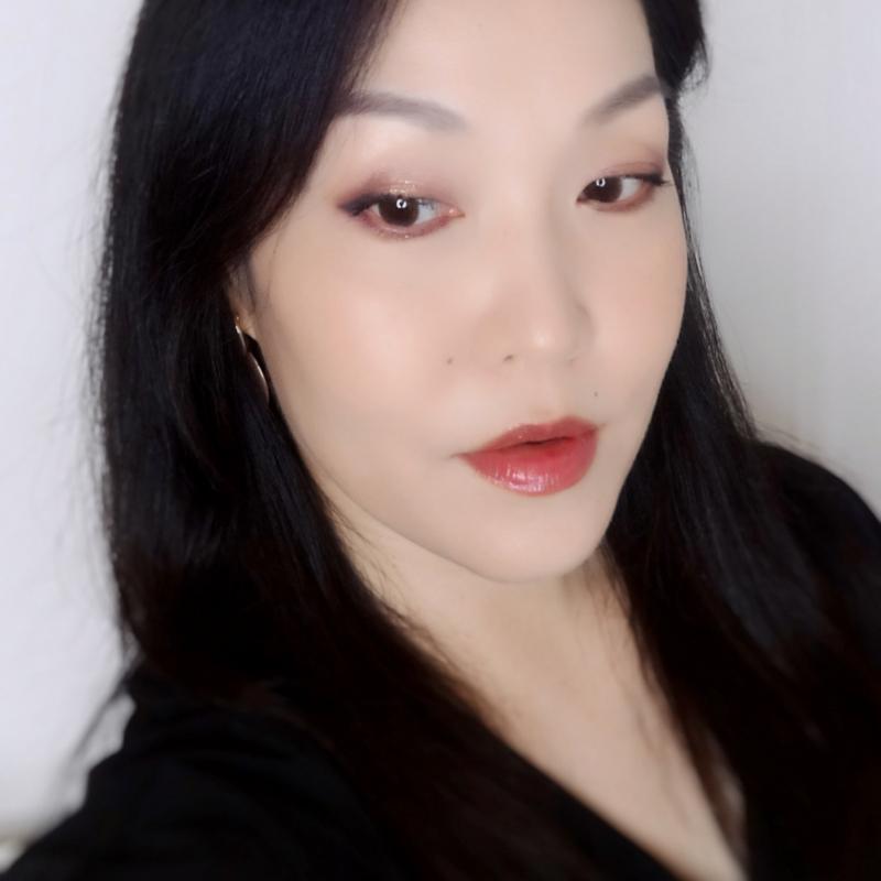 Charlotte Tilbury Vintage Vamp makeup look