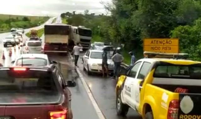Acidente envolvendo vários veículos entre Peabiru e Campo Mourão