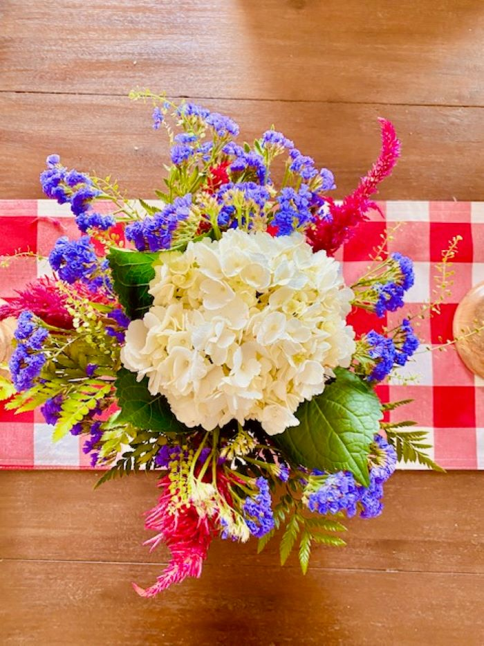 floral-arranging-tips-lasting-cutting-water-athomewithjemma