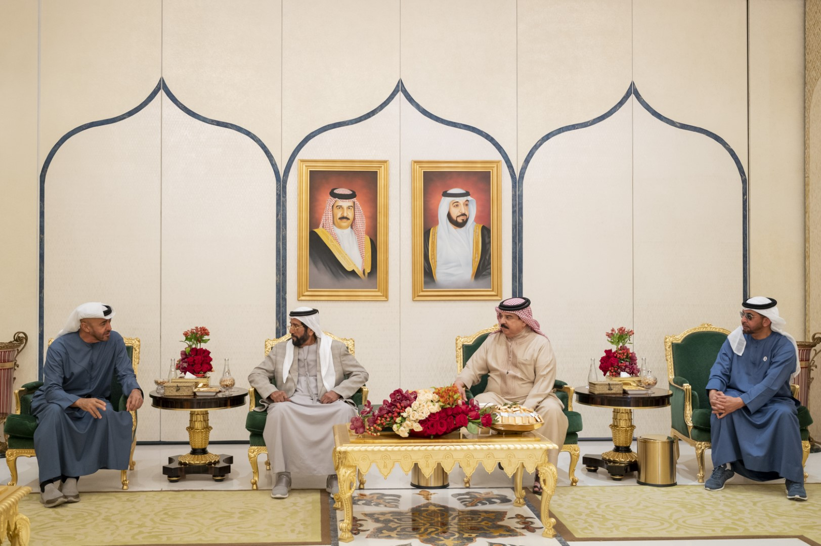 Bahrain's King receives UAE royalty