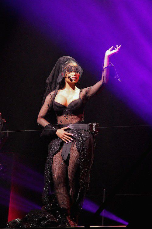 Nicki Minaj: All Eyes On You clip unveiled, it gives all on stage