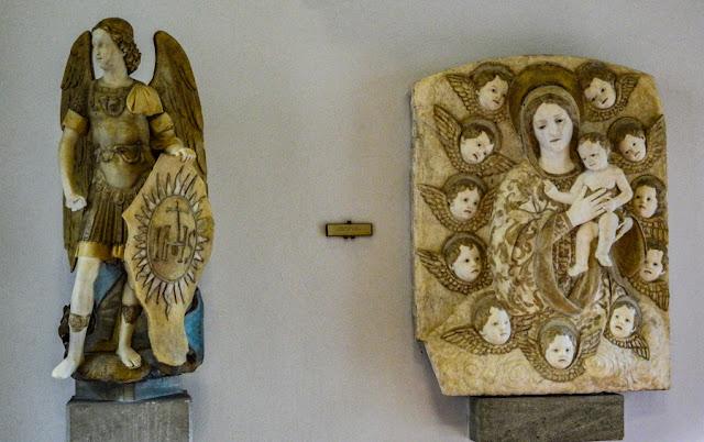 Peças sacras do acervo da Galeria Regional da Sicília, no Palácio Abatellis de Palermo