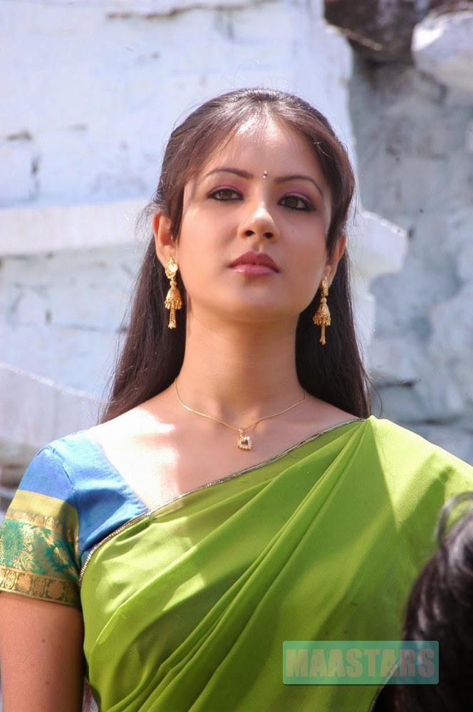 Pooja Bose Lovely Photos In Saree