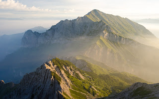 Photo of the Grigna and Grignetta mountains