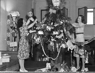 Vintage Clothing Love: Vintage Christmas Trees - 1930's