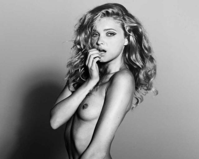 Elsa Hosk en topless