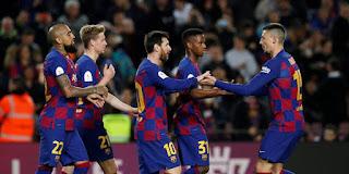 كورونا يتسبب في خفض رواتب لاعبي برشلونة