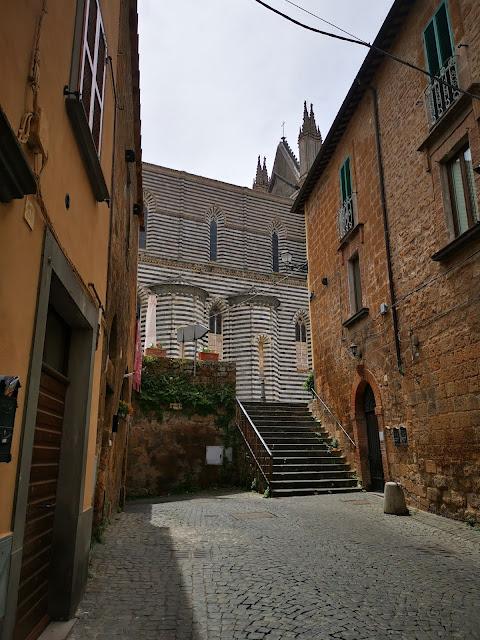 arrivando al Duomo di Orvieto