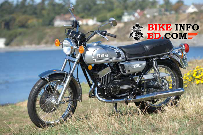 Yamaha RD350 (Japan) Specifications, Review, Top Speed, Pics