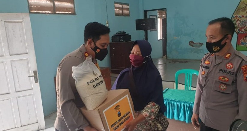 Video Mencopetnya Viral Akibat Butuh Uang Untuk Makan, Nenek Di Banjarnegara Akhirnya Dapat Bantuan Dari Polisi