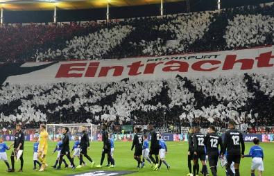 التعادل يحسم لقاء نادي إينتراخت فرانكفورت ونادي أرمينيا بيلفيلد بالدورى الألماني لكرة القدم