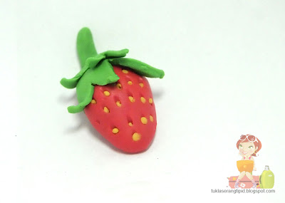 clay strawberry fruit red sweet handcrafts arts creative DIY