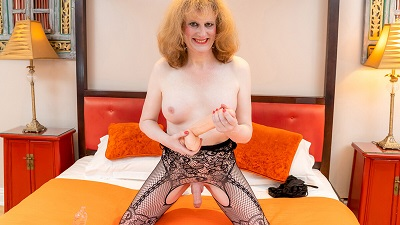 TGirl40 – Canblondell Pleases Her Ass And Cums!
