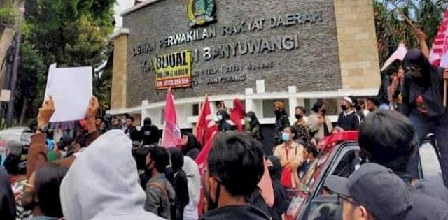 Tolak Omnibus Law Di Banyuwangi, Dua Demonstran Diamankan